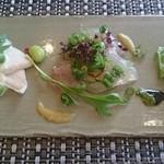 サミュゼ - 前菜3種(鶏ハム、タイ、ローストビーフ)