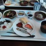 コスモス - 料理写真:朝食ブッフェ フレンチディナーの翌朝は二人とも和食