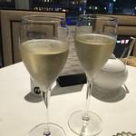 48843446 - 前日までの事前予約で頂けるドリンクサービスは、スパークリングワインを選択。