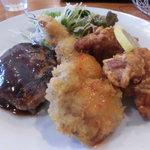 ばーるここぺり  - ハンバーグ、ポークカツ、鶏の唐揚げ