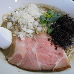 麺処 晴 - 濃厚そば(背黒2種)780円