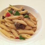 48844669 - 熟成牛とフレッシュトマト、パルミジャーノのナポリターナ(ペンネ)
