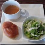 covo - サラダ、スープ、パン