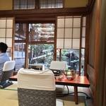 米久本店 - 中庭を臨む