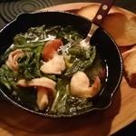 BAR mix 226 - 海老と菜の花のアヒージョ。熱々うまうま