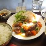 中国料理慶春 - 料理写真:ランチ 酢豚定食 \730