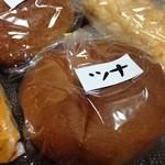 冨士家製パン所 - 全て小包装です。