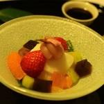 望洋樓 - デザートは福井銘菓羽二重もちをつかったあんみつ