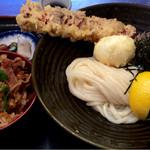 瀬戸内製麺710 - ちく玉天ぶっかけ+牛飯  980円