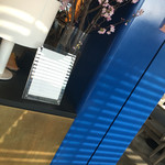 bills - bill's 朝食ではなく、おやつの時間で利用しました。 二子玉川店、日本5号店目。 二子玉川の再開発もひと段落。休日凄い人でした。蔦屋家電をブラブラして、その後こちらへ。 10分位で着席出来ました。