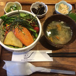玄三庵 西梅田店 - 野菜たっぷりビビン丼ランチ