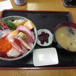 48875096 - 海鮮丼 950円