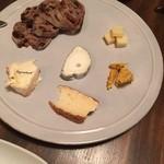 48877923 - チーズ五種盛り