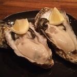 beber - 兵庫県産の真牡蛎。身が大きく、ぷっくらしていて旨し!