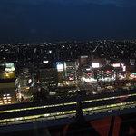梨杏 - 夜景が奇麗と言いたいが、名古屋の西側にはビルが無いので、日が落ちる前の入店がお勧め