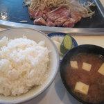 Fujiteppanyaki - ご飯、味噌汁、お新香