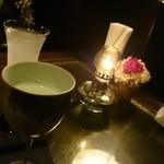 48880370 - 抹茶と栗リキュールのカクテル。