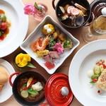 ラグーナの森 - 料理写真:ストウブ鍋を使った煮込み料理や季節によってかわる魚・肉料理などのフレンチスタイルのメニュー