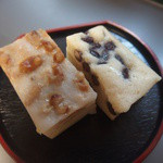 小倉屋 - 料理写真:左:がんづき 右:松風 各108円