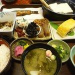4889101 - 湯豆腐定食 1150円