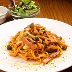 カフェラウンジ コロン - 三種チーズのトマトパスタ