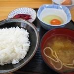 たまごや とよまる - たまごかけご飯定食 300円 (^^@