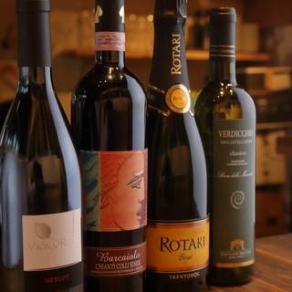 80種類以上のイタリアワインから、とっておきの1本と出会う