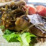 梅鶯荘 - 新鮮な素材の強みを生かした「しいたけと、じゃがいも、にんじん、ごぼう、すき昆布の煮物」
