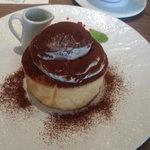 48897154 - 【2015.8】日替わりパンケーキ(シングル) ティラミスのパンケーキ