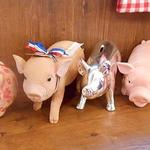 ル・コションドール・キタノ - 内観:店名はフランス語で『金の豚』可愛い豚さんが店内のあらゆるトコロに