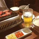 焼肉 万里 - 牛カルビセット/生ビール
