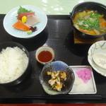 48900246 - マミーすいとん定食(さしみ)
