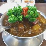 トマト - 和牛ビーフカレー 季節野菜追加