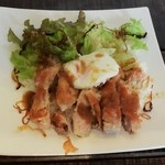 カフェ スマイル - 日替りランチの鶏ももステーキ