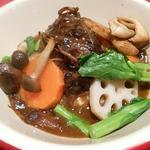 ル・コションドール・キタノ - 肉料理:柔らか~い牛ほほ肉の赤ワイン煮込み春野菜添え