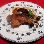 ル・コションドール・キタノ - 肉料理:鴨モモ肉のコンフィ春野菜添え+フォアグラのソテー