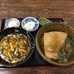 招福亭 - 料理写真:カレー丼とキツネそば セット¥800   茶そばのお店