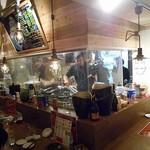 肉バル×チーズバル カーネヴォー - 店内