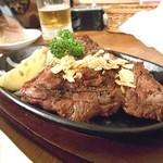 肉バル×チーズバル カーネヴォー - 炭火焼ステーキ