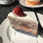 アマルフィイ カフェ - 桜ショートケーキ