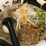 博多らぁめん 斗樹 - 黒ゴマ担々麺 煮卵つき ¥930