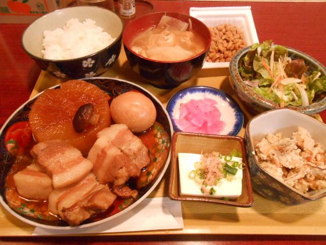 居酒屋ハル(陽) - 豚の角煮ランチ700円