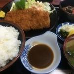 赤城路 - 料理写真:とんかつ定食【料理】