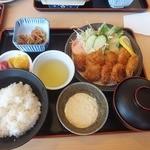 ドライブインやまだ - 貝柱フライ定食(1,250円)