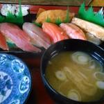寿司食事処新栄 - 料理写真: