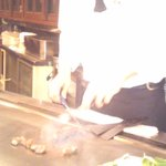 ステーキランド神戸館 - カウンターで目の前で焼上げてくれます。