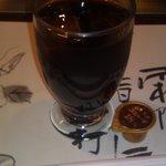 ステーキランド神戸館 - セットのアイスコーヒーガムシロップ入り。
