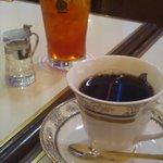 珈琲の青山  三宮西口店 - アイスコーヒーとアイスティー