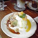 ユララ - サツマイモのチーズケーキとレアチーズケーキ