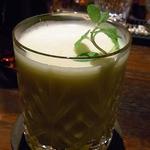 Bar Agit - パイナップルのカクテル¥1000